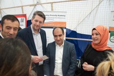 Marc Urbatsch und Özcan Mutlu besuchen Jobmessen für Geflüchtete